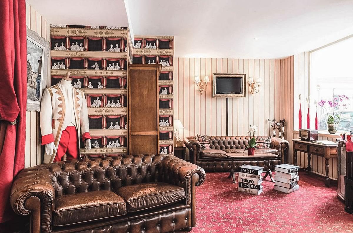 hoteis-baratos-paris-Hotel-du-Theatre-1