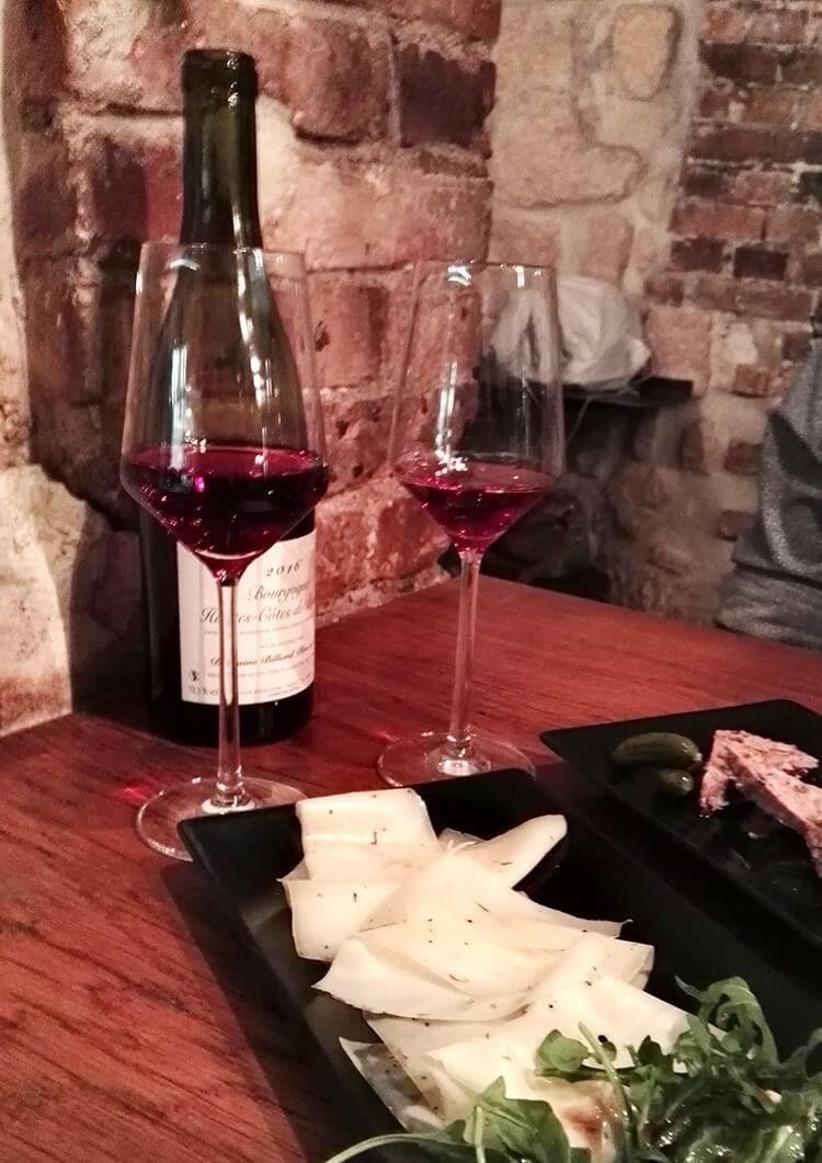 bar-de-vinhos-paris-cheznous