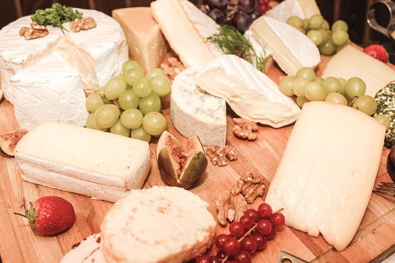 Seleção de queijos franceses e dicas para uma degustação perfeita
