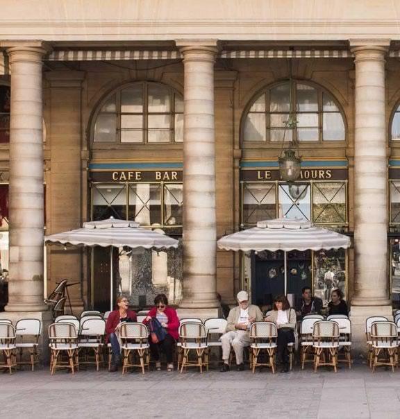 cafes-em-paris-Nemours
