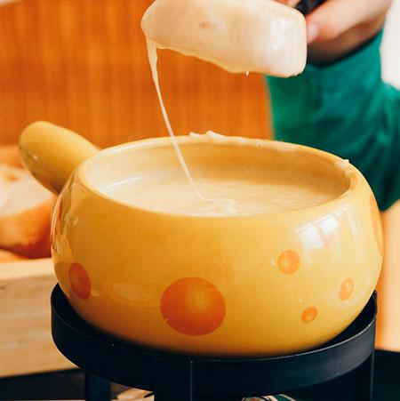 gastronomia-francesa-fondue-de-queijo