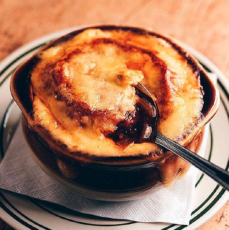 gastronomia-francesa-sopa-de-cebola
