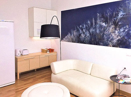 luxury-rambla-ape-airbnb-barcelona